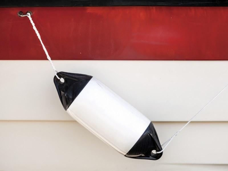 nettoyant coques polyester gel coat pare battages pour l 39 entretien des bateaux nettoyant. Black Bedroom Furniture Sets. Home Design Ideas