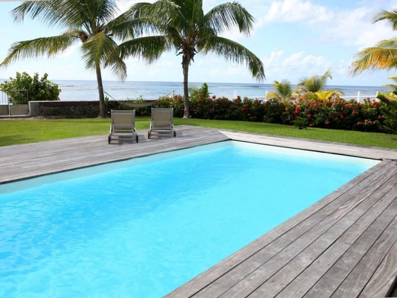 Les couleurs d une peinture pour une piscine en b ton for La piscine pool nyc