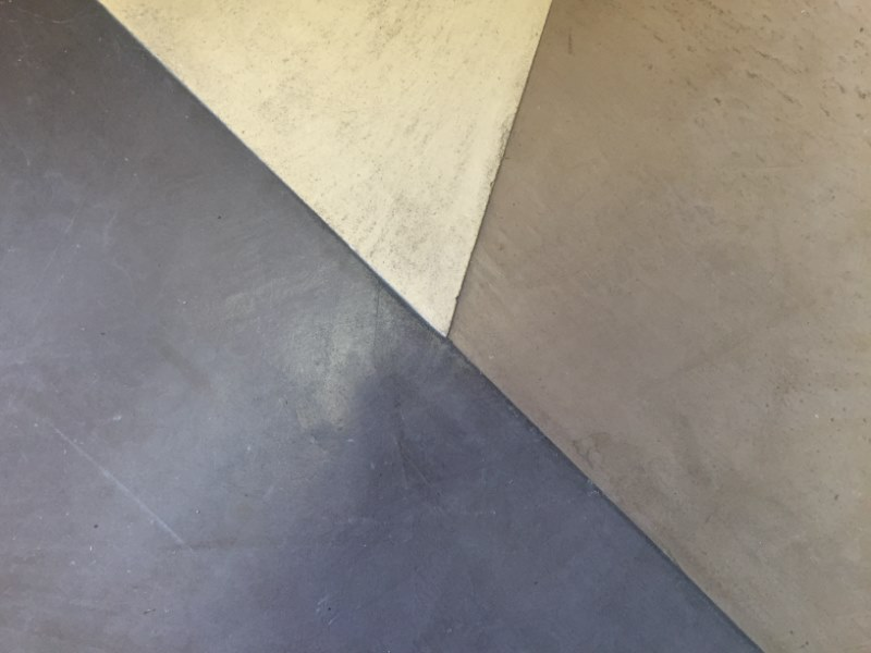 B ton cir gris b ton clair titane betoncire b ton cir for Beton cire ou beton mineral