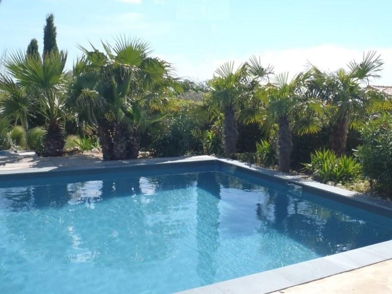 peinture gris basalte pour une piscine en b ton bordeaux betoncire b ton cir et d coration. Black Bedroom Furniture Sets. Home Design Ideas