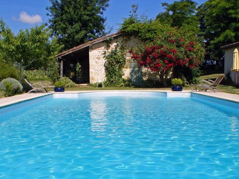 Terrassement des piscines la cl pour une piscine for Terrassement piscine